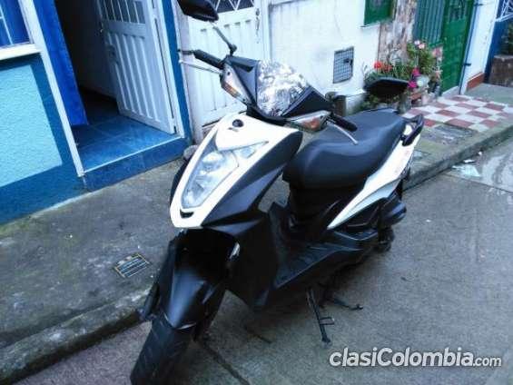 Tengo para ofrecer urgente kymco agility rs 2011 excelente estado !!!! buen precio!