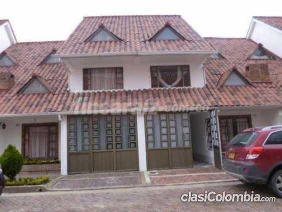Buen precio! vendo hermosa casa en quintas del marquez, buen sector, mosquera en muy buenas condiciones.
