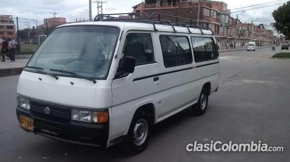 Gangazo se vende microbus de 15 pasajeros nissan urban modelo 98 con parilla y recien enll