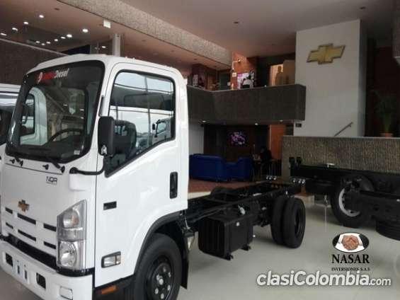 Camion chevrolet nqr modelo 2017.. con contrato laboral