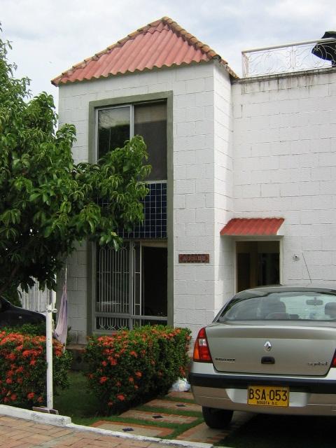 Casa en girardot condominio