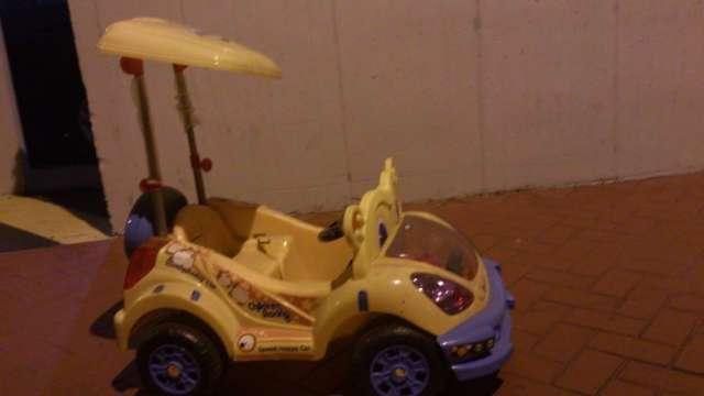 Vendo carro electrico para niño o niña