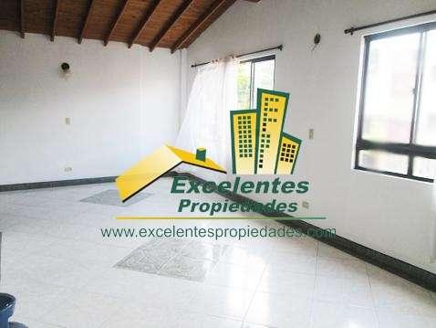 Se vende excelente apartamento dúplex en santa mónica (3sm1120)