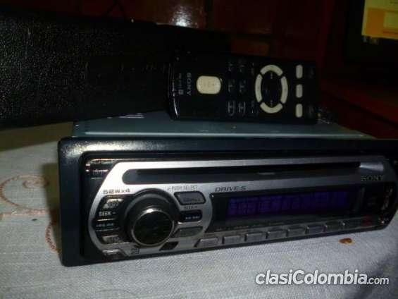 Fotos de Vendo casi nuevo radio sony con usb excelente precio. 2