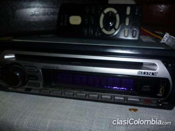 Fotos de Vendo casi nuevo radio sony con usb excelente precio. 4