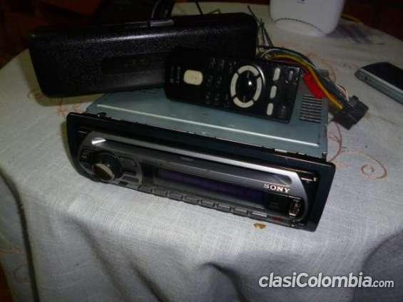 Fotos de Vendo casi nuevo radio sony con usb excelente precio. 3