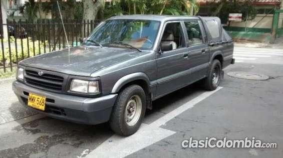Tengo a la venta mi auto mazda 2200 doble cabina excelente modelo.