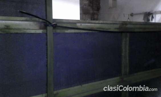 Proceso de fabricación: pared en icopor como aislante térmico; con cableado calibre 10 para energía a 110 vatios