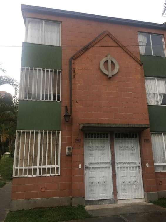 Oferta vendo casa 3 niveles 85 mts sector belèn rodeo alto