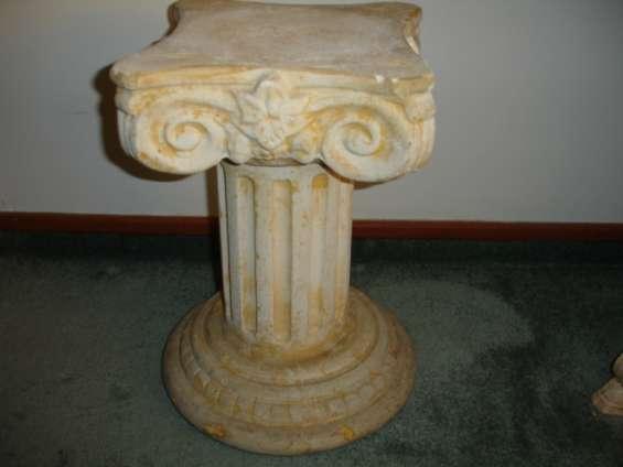 Base para esculturas, floreros y otra utilizaciones, usada oportunidad
