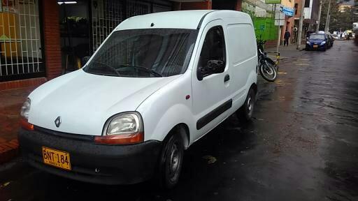 Renault kangoo 2003 carga $13.000.000. 3015963649