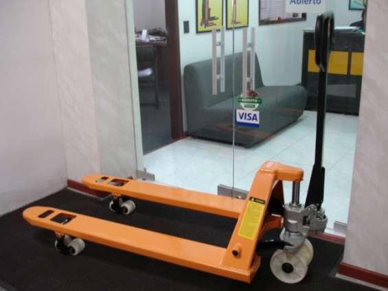 Estibadoras hidraulicas manuales ref.c68/3000