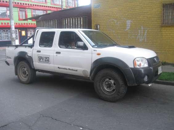 Buscamos camionetas 4x4 doble cabina con platon,para transporte ingenieros civiles