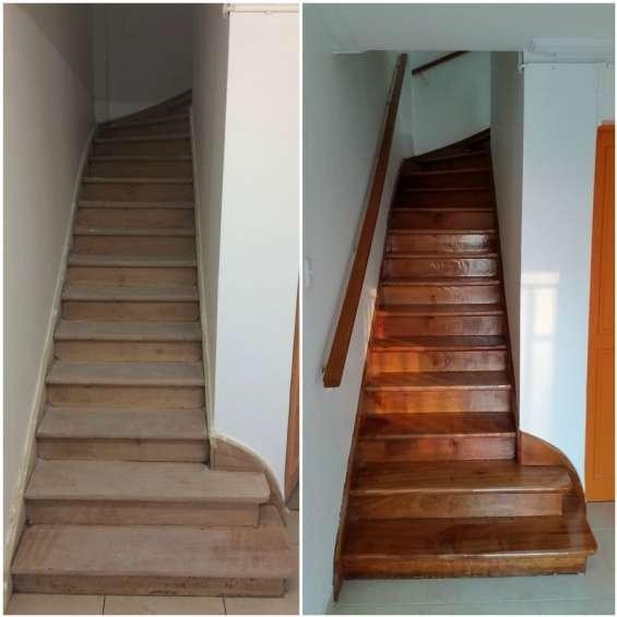 Instalacion de escaleras en madera natural cel 3127380409